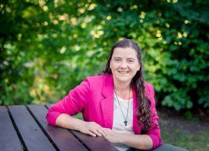 Petrina Haak | coach en spreker bij Echt-leven. Opgegroeid met psychisch zieke ouders? Ik help jou om het leven te leiden waarvoor je gemaakt bent. Omarm jezelf met liefde
